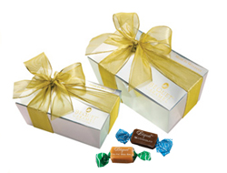 Gift Box of Assorted Flavored Soft Caramels